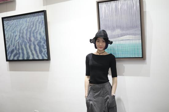 """""""中间调性:马琳洁水面系列作品展""""开幕式现场照片 (3)"""