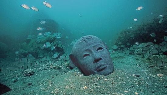 沉默在海底的一座3世纪的法老头像,索尼斯-希腊克莱奥