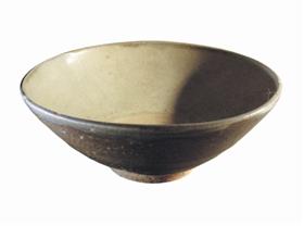 圖4 醬色釉斜腹碗