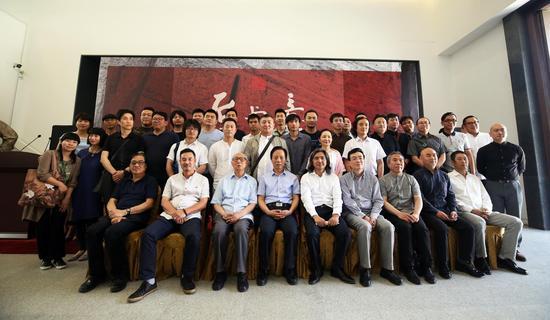 中国艺术研究院中国雕塑院建院九周年雕塑展暨同曦•中国青年雕塑邀请展启动仪式现场合约