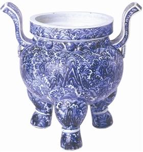 圖2 北京故宮博物院藏明永樂青花海水紋香爐