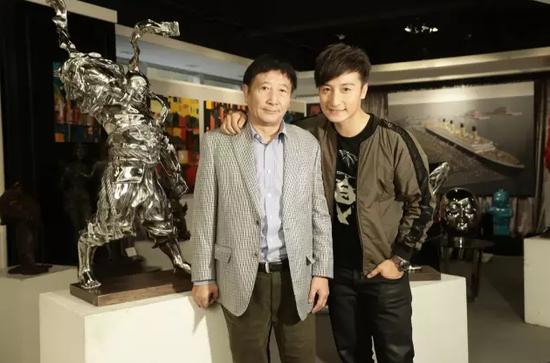 方毓仁与儿子方力申都是收藏家,方力申从小就爱好艺术,现在收藏已颇有规模,利用艺人身份为父亲作推广大使。
