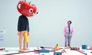 保罗·麦卡锡1994年创作的雕塑《番茄头(绿)》