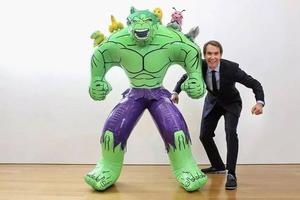 全球首富艺术家Koons在成都的24小时