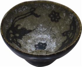 南宋吉州窑黑釉剪纸贴花纹茶盏内里