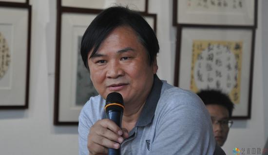 郑州市文学艺术界联合会主席钟海涛发言