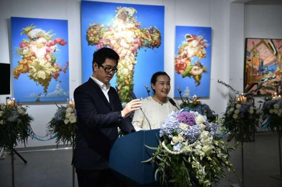 劳特斯辰艺术空间馆长杨培文及武玲女士主持开幕式