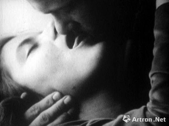 沃霍尔1963年的影像作品《吻》片段