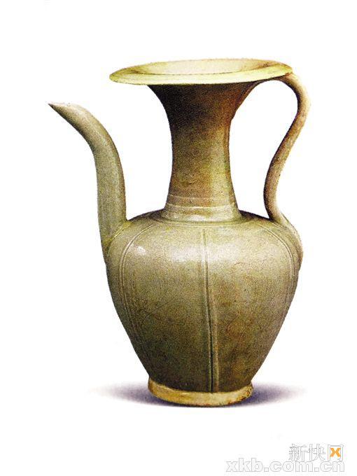宋 龙泉窑青釉 刻花汤瓶