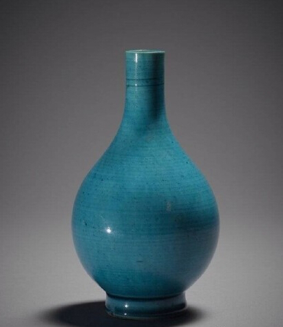清康熙孔雀蓝釉瓷    大英博物馆藏