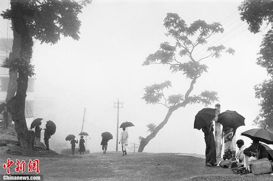 《印度 尼泊尔》大吉岭,印度,1956年。(图片出自《马克·吕布 东方印象》 授权作品 请勿转载)