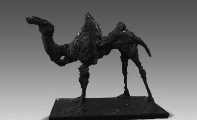 杨振宁捐献熊秉明雕塑《骆驼》