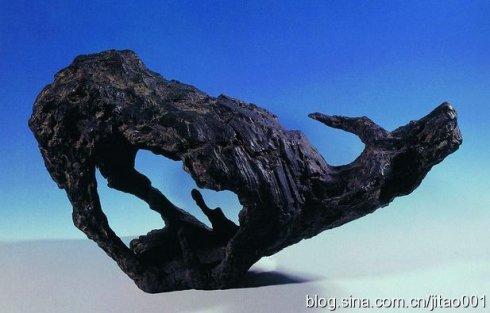 1995年嘉德春拍铜雕《中国土地》,35×68×26厘米,成交于15.4万元