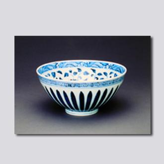 明朝 青花缠枝花卉菊瓣纹碗 首都博物馆藏