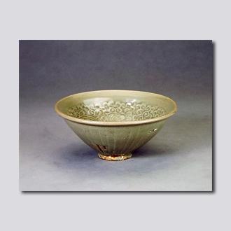 宋代 临汝窑青釉印花菊纹碗 首都博物馆藏