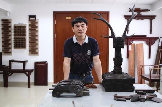 上海博物馆第四代古家具修复师马如高