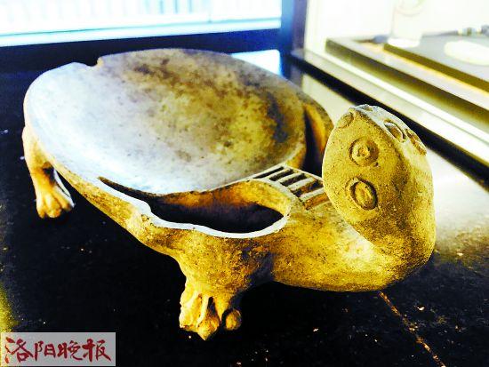 唐代单头龟形澄泥砚