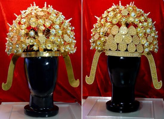 这是文物保护工作者仿制的隋炀帝萧后冠正面(左图)和反面(右图)照片