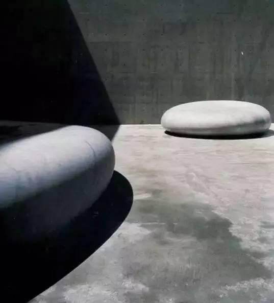 安田侃《天空的秘密》