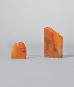 4802清 田黄梅竹双清印材两方高:4.9 cm、重41 克高:2.5 cm、重12 克带旧包装