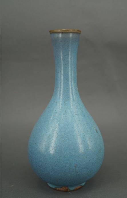 展品:天蓝釉胆式瓶 宋-金