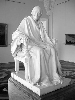 《伏尔泰坐像》