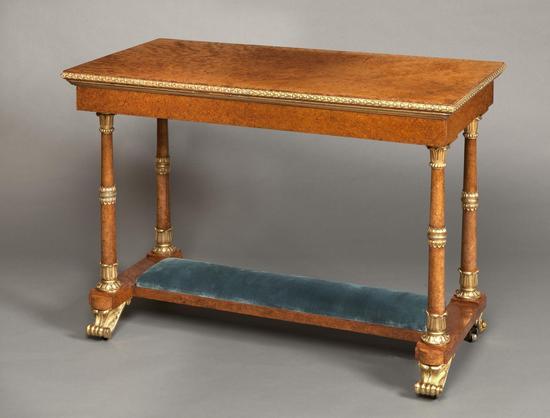 1820年安波那木铜鎏金写字台