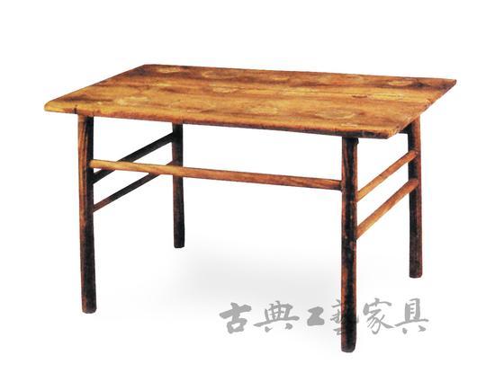 图1 江苏武进村前6号南宋墓出土木桌(细腿桌)