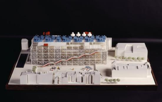 《巴黎蓬皮杜艺术中心研究模型》,1971—1977,皮亚诺&罗杰斯,塑料、金属和木