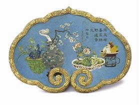 清乾隆掐丝珐琅鎏金铜御制诗万年如意挂屏,成交价1310.6万元