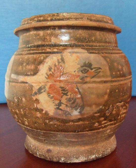 最早的斗彩瓷器:衡山窑粉地彩釉绘鸟罐
