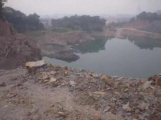开采数百年的黄龙山矿区