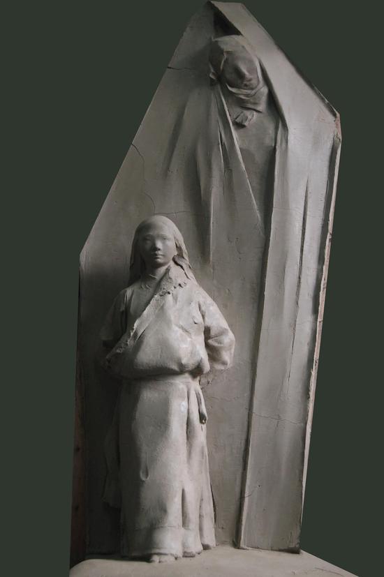 高原春天 青铜 2014 中国美术馆藏 45x50x130cm