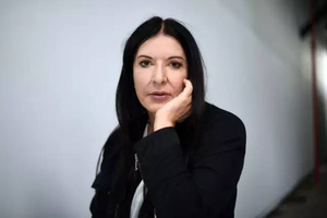 行为艺术教母阿布拉莫维奇剖析争议人生