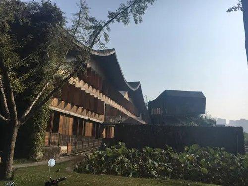 王澍设计的中国美术学院象山校区。新京报记者李兴丽 摄