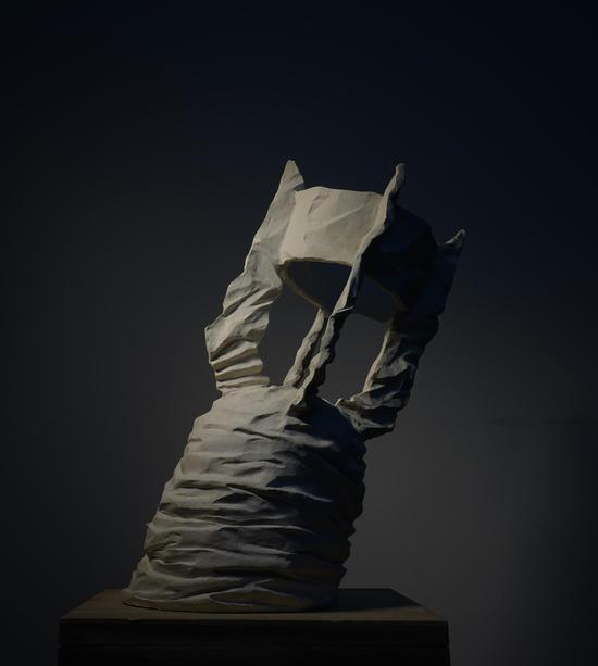 郭继锋 《尘封的记忆》 50×30×20cm 树脂 2015年