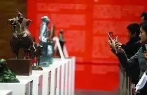 南京首批名人雕塑小样在金陵美术馆展出