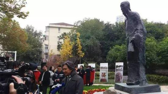 《袁枚》雕像创作者吴为山接受媒体采访