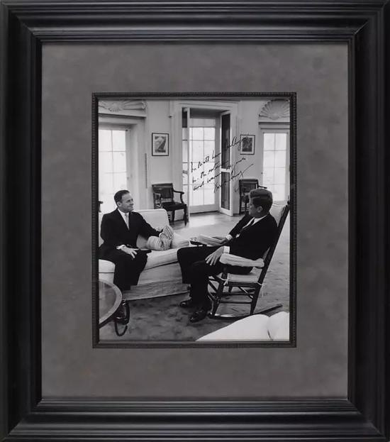 肯尼迪总统签名照片