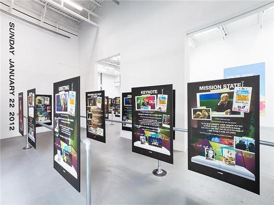 """""""你所需要的就是数据""""展览现场,图片来源:纽约佩策尔画廊"""