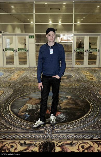 """西蒙·丹尼,2015年威尼斯双年展新西兰国家馆""""秘密力量(Secret Power)""""展览分场地之马可波罗机场现场。图片来源:迈克尔·克罗斯拉(Michele Crosera)"""