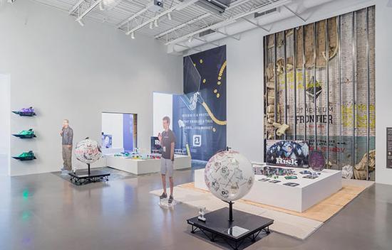 """""""数据区块链的未来展现""""展览现场,图片来源: 佩策尔画廊5"""