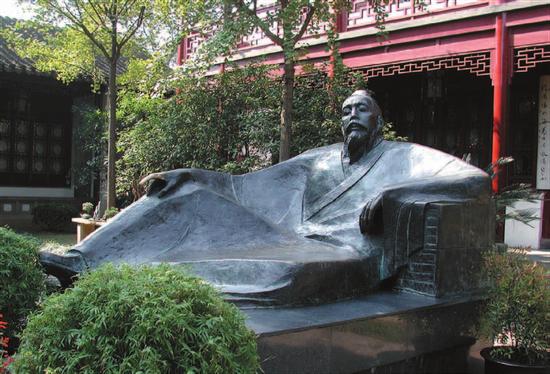 钱绍武《张继像》 铸铜 高130cm 1993年