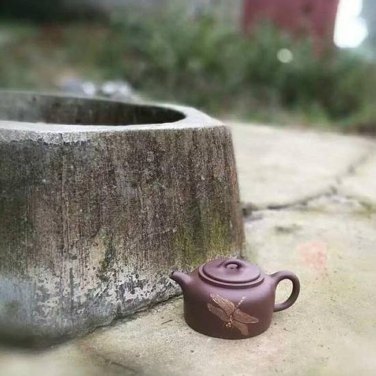 《井栏壶》紫泥