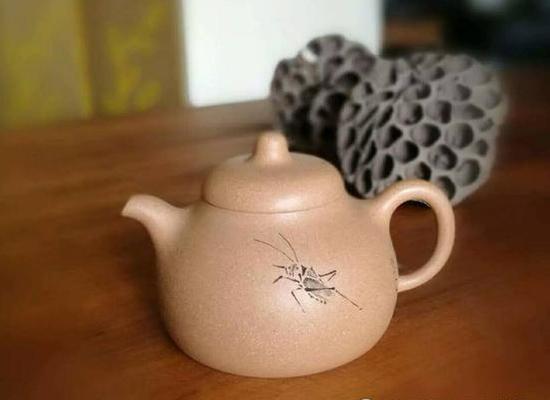 《匏瓜壶》清水泥