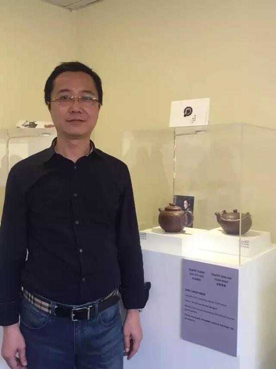江苏省陶瓷艺术名人——周俊智 参展作品:《松鼠葡萄壶》、《诸事圆满壶》