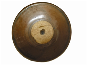 图二:金代定窑酱釉碗