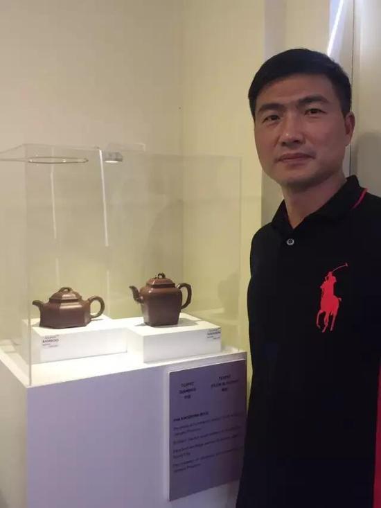 江苏省陶瓷艺术名人——潘小忠 参展作品:《竹壶》、《梅壶》