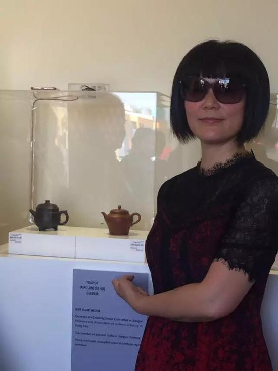 江苏省陶瓷艺术名人——鲍玉梅 参展作品: 《小金瓯壶》、《汉观壶》