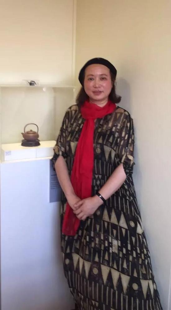江苏省陶瓷艺术名人——吴奇敏 参展作品:《宋韵提梁壶》